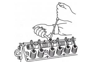 Регулировка зазоров в механизме привода клапанов F9Q760-762